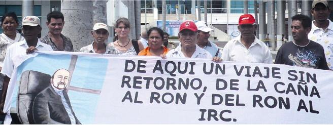 Demonstration ehemaliger Zuckerrohrarbeiter_innen vor der Konzernzentrale von Pellas in Managua, Nicaragua.